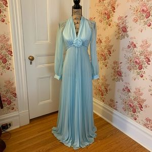 Stunning Vintage Formal Blue Dress 👗